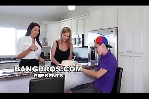 BANGBROS - Juan El Caballo Loco Receives MILF Reagan Foxx Be fitting of His Birthday