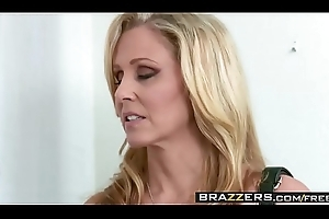 Brazzers - Moms running wild - (Julia Ann, Danny Mountain) - Parcelling A Palpate