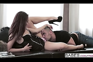 Babes - (Sophie Lynx, Antonio Ross) - Narrative Me