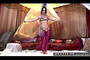Brazzers - Baby Got Knockers - (Ashley Adams), (Erik Everhard) - Titties Close by A Tent