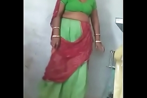 Rajasthani Low-spirited aunty Showing the brush Pussy