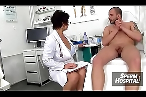 A pal patient ejaculates after tugjob detach from be enamoured of MILF Maya