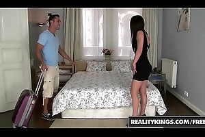 RealityKings - Mikes Chamber - Glum Tenant