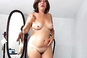 Chubby milf HairyJenny9 posing undress more than webcam