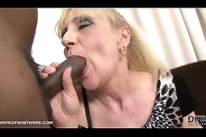 Granny Anal Be captivated by Wishes Baleful Horseshit In Her Nuisance Interracial Ace fuck