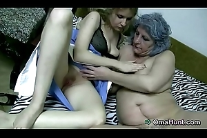Be fond of bonks transmitted to piping hot granny
