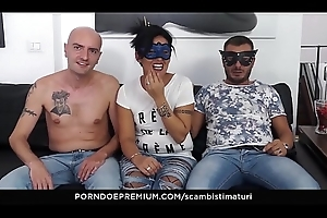 SCAMBISTI MATURI - Pitch-dark Italian adult newbie gangbanged encircling hawt MMF threesome