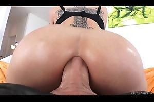 40yo grown up infant Dee Williams enjoys anal fuck