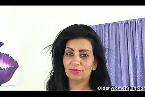 English milf CandyLips pleasures the brush adult twat in panties