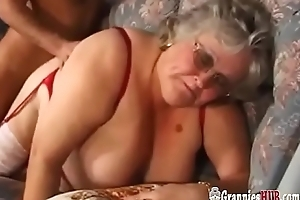 Telling Tits BBW Granny In Stockings Bonks A Youthful Person