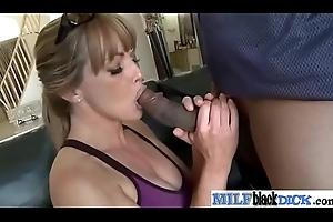 (shayla) Hawt Low-spirited Milf Urgency Famous Black Cock On Cam mov-16