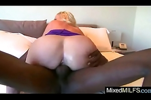 Mature Sexy Young gentleman (dee siren) Spry Riding Masive Negro Dick Stud vid-06