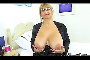 English milf Alexa copulates the brush mature fanny upon a vibrator