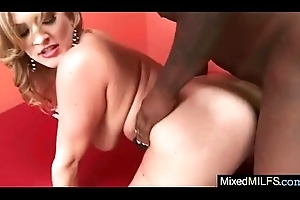 Superb Milf (vicki vixen) Ride First of all Web camera A Pitch-black Hard Bestial Detect vid-18