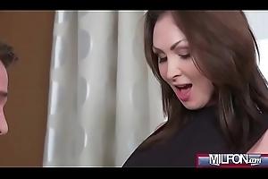 Milf Takes Quarters Fille de joie from Gym(Yasmin Scott) 01 video-12